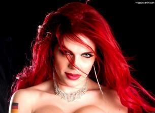 Entrevista con IzaVampira: porno extremo 100%