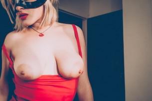 Entrevista con la sexy y hardcore Maryjude