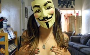 ¿Puedes esconder tu cara en Cam4? Consejos para webcammers