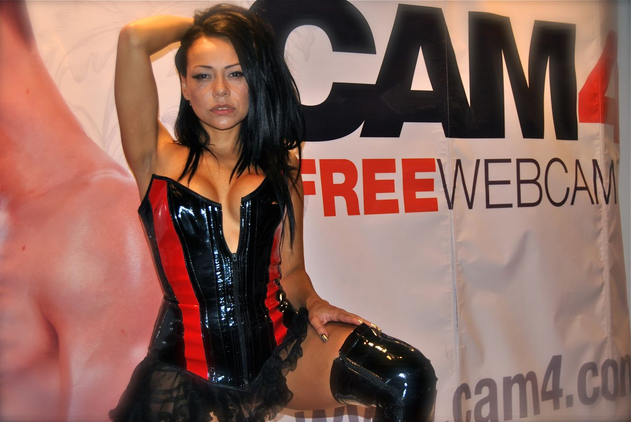 Babe Lara Porn Star lara tinelli – interview with the porn star and cam4 babe