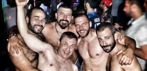 ¿Qué hacer para ligar en una discoteca gay y triunfar?