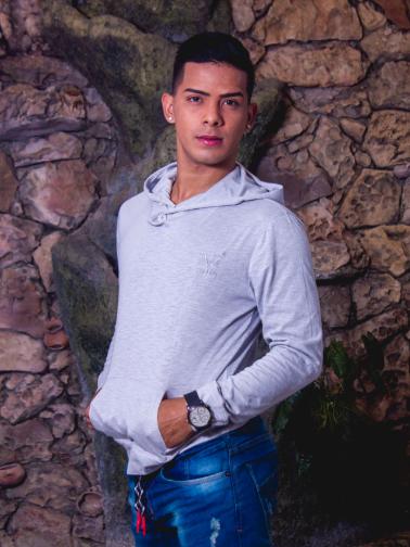 colombiano gay latino