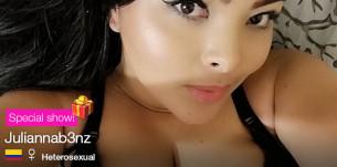 La sexy modelo Juliannab3nz celebra su cumpleaños en CAM4! (12-Feb)