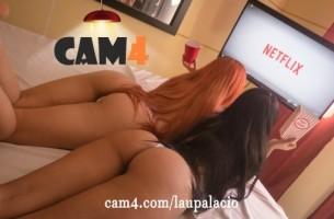 = APLAZADO = LauPalacio vuelve a seducirnos con un nuevo xxxshow lésbico.
